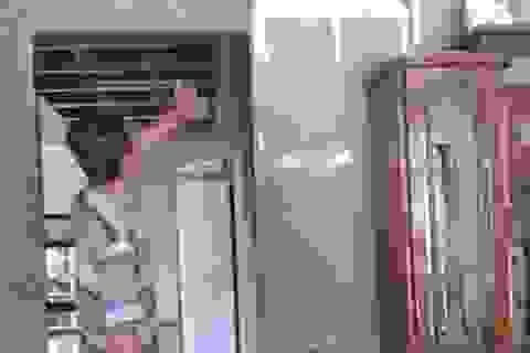 Đốt nhà của cha mẹ người yêu vì bị chia tay