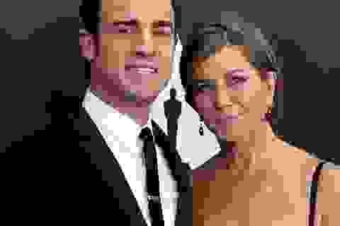 Jennifer Aniston đẹp đôi bên hôn phu trẻ