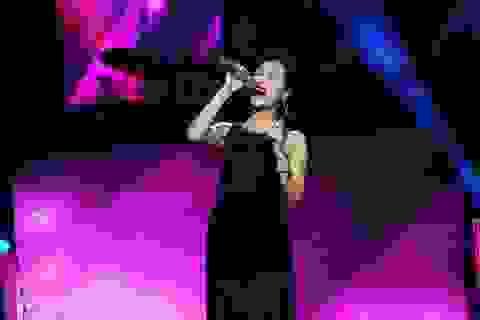 Uyên Linh tiếp tục thành công trên sân khấu Bài Hát Việt