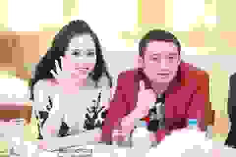 Trương Phương đi xe sang dự sự kiện