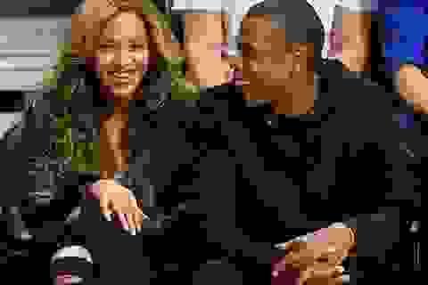 Beyonce - Jay Z hạnh phúc đi xem bóng rổ