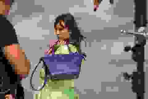 Longchamp lại kết hợp với Alexa Chung