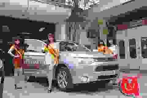 """Tưng bừng """"hái lộc vàng đầu xuân"""" cùng Mitsubishi tại công ty Vinh Quang"""