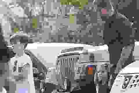 David Beckham đưa các con đi ăn