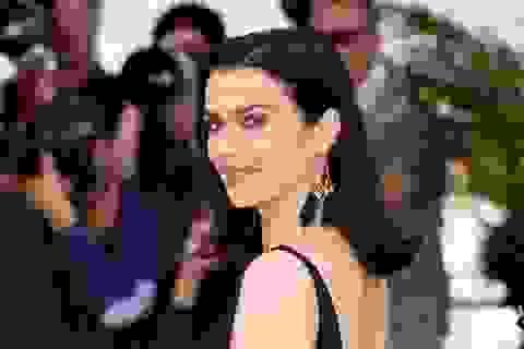 """Người đẹp phim """"Xác ướp Ai Cập"""" tái xuất tại LHP Cannes"""