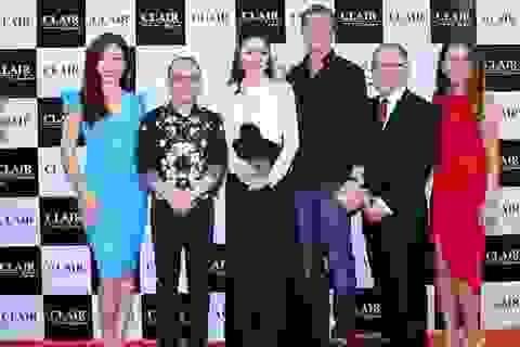 Hoa hậu Bùi Thị Hà thay 2 trang phục trong một sự kiện