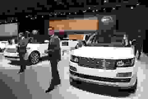 Nhiều hãng ô tô đồng loạt dừng bán xe tại Nga