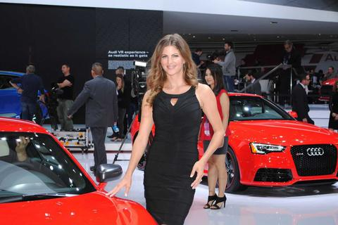 Ngắm dàn người mẫu tại Triển lãm ô tô Detroit 2015