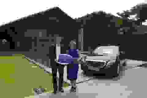 Mercedes-Benz Việt Nam bàn giao xe S-Class cho khu nghỉ dưỡng 5 sao Naman Retreat