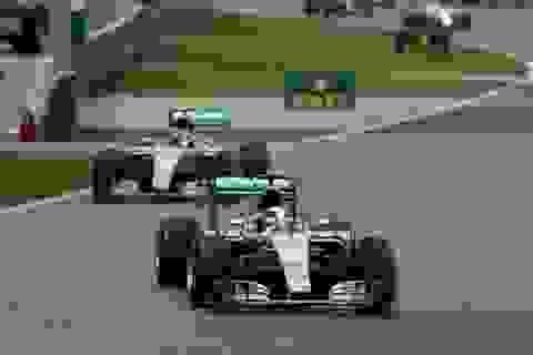 Chiến thắng đầy thuyết phục của bộ đôi Mercedes