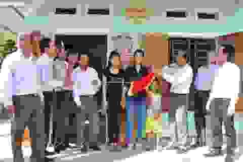 Trao tặng 70 nhà đại đoàn kết cho hộ dân nghèo