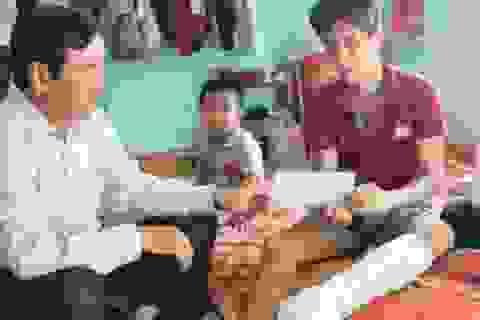 Hỗ trợ 2 ngư dân bị tàu Trung Quốc tấn công gây trọng thương