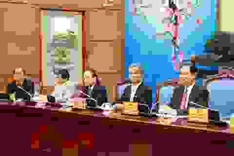 Thủ tướng làm việc với Đoàn chủ tịch Tổng LĐLĐVN