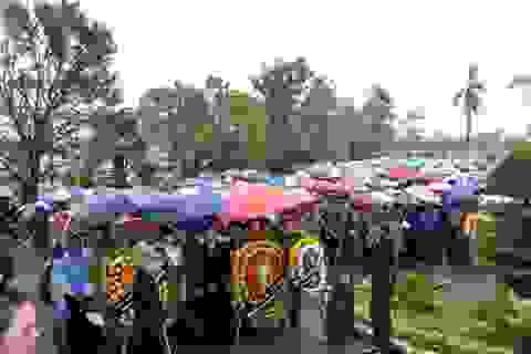 Quảng Bình: Hàng vạn người đội mưa chờ viếng Đại tướng