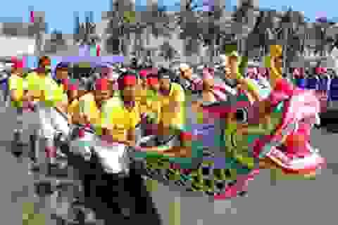 Tưng bừng lễ hội đua thuyền truyền thống đầu năm