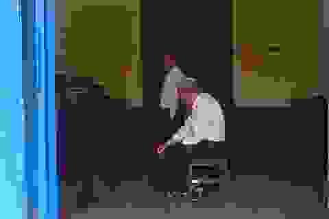Hoãn phiên tòa để hai bên đối thoại