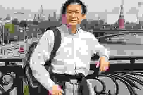 """Giáo sư Nguyễn Tiến Dũng: """"Không nên bỏ thi tốt nghiệp THPT"""""""