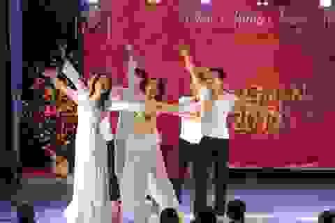 """Ấn tượng """"Việt Nam, tìm về nguồn cội"""" cùng du học sinh tại Grenoble"""