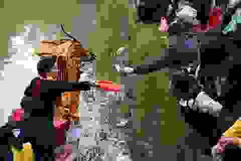 """Giải oan lễ hội theo kịch bản """"chặt chém"""" ở Chùa Hương"""