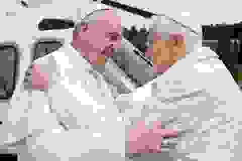 Lần đầu tiên trong lịch sử hai Giáo hoàng gặp nhau