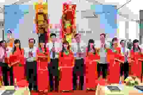 Vietcombank bàn giao trường tiểu học thị trấn Đầm Dơi cho huyện Đầm Dơi, tỉnh Cà Mau nhân ngày nhà giáo Việt Nam