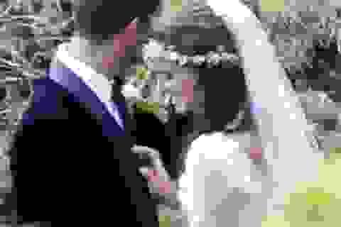 """Lộ ảnh cưới của nữ diễn viên """"Thiên nga đen"""""""