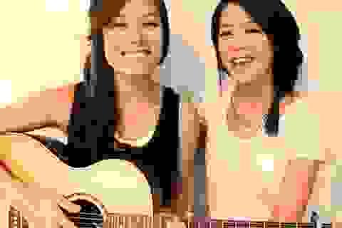 """Nghe hai cô gái trẻ xứ Hàn hát """"Gangnam Style"""" đầy lạ lẫm"""