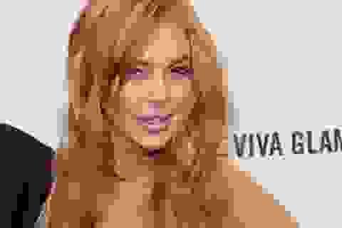 """Lindsay Lohan """"thác loạn"""" tại quán bar sau khi hầu tòa"""