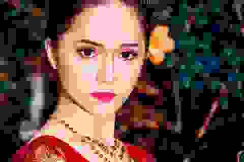 Người đẹp chuyển giới Hương Giang khoe vẻ nữ tính