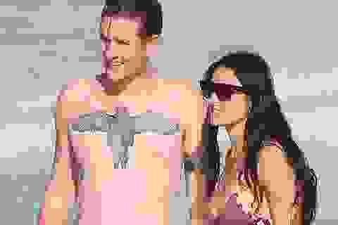 Demi Moore hẹn hò với rocker kém 24 tuổi