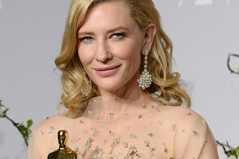 Ngưỡng mộ nhan sắc không tì vết của mỹ nhân 2 lần giành giải Oscar