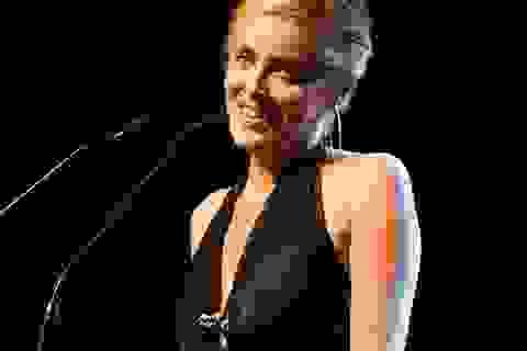 Sharon Stone phải nhập viện cấp cứu