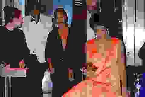 """Beyonce Knowles cố cười sau khi chồng bị em gái cho """"ăn tát"""""""