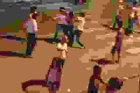 Hoảng hồn thanh niên hỗn chiến náo loạn đường phố Hà Nội