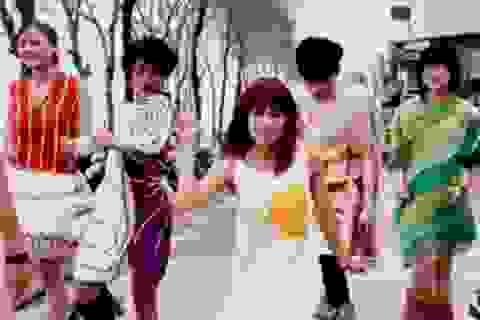 """Clip giới trẻ Hà Nội nhảy múa vui nhộn theo điệu """"Happy"""""""