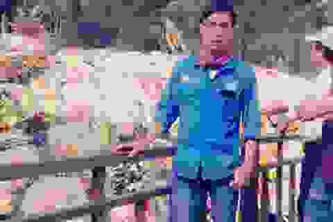Hành trình chàng trai đạp xe 450km vào viếng mộ Đại tướng