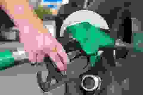 """Phó Thủ tướng """"lệnh"""" Bộ Công an vào cuộc xử lý gian lận xăng dầu"""