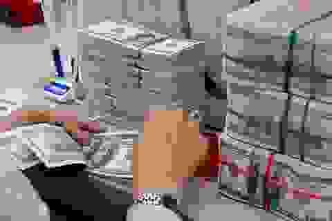 """""""Nhiều khả năng Ngân hàng Nhà nước phải bán ngoại tệ dự trữ"""""""