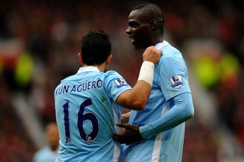 Không có chuyện Man City bán Aguero hay Balotelli