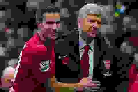 Van Persie - Arsene Wenger: Những lí lẽ của trái tim