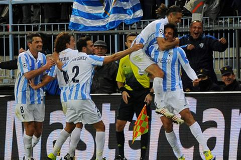 Chơi hơn người, Malaga giật vé vào tứ kết trước Porto