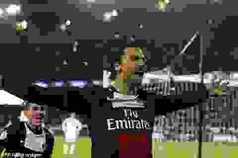 Ibrahimovic và các đồng đội bất ngờ bị tấn công