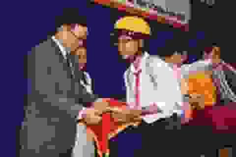 Công ty 4 Oranges trao 300 suất học bổng khuyến học