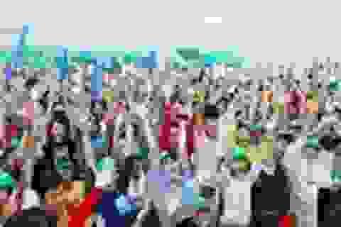 Kỷ lục 14.000 bạn trẻ nhảy lên vì một Việt Nam lạc quan