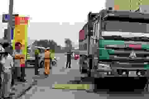 Hà Nội: Một phụ nữ tử nạn dưới gầm xe ben