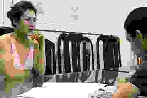 """Hà Nội: Bắt """"tú bà"""" điều hành đường dây bán dâm giá 200USD"""