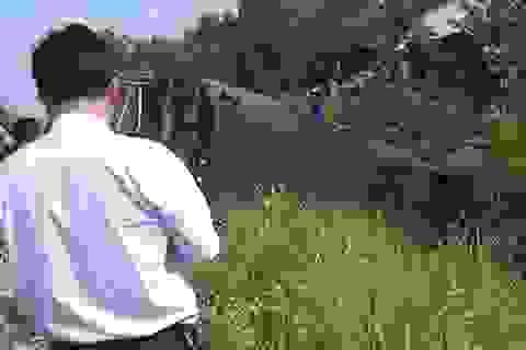 Vụ xe tải húc văng đầu tàu hỏa: Lái tàu đã cảnh báo từ xa