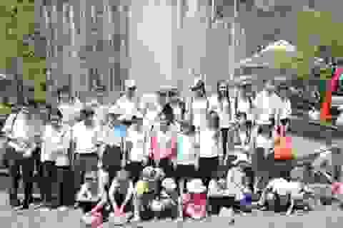 Hơn 1.000 em học sinh khuyết tật được đi du lịch