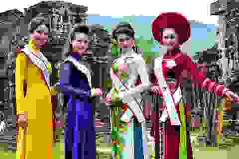 Thí sinh hoa hậu các Dân tộc Việt Nam quảng bá Thánh địa Mỹ Sơn