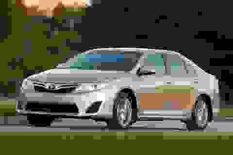 Toyota đánh cược vị trí số 1 tại Mỹ vào Camry sedan 2015